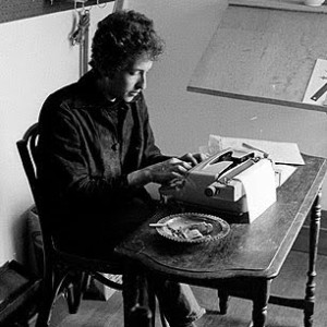 Dylan_at_the_Typewriter