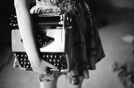 2012typewriter_girl