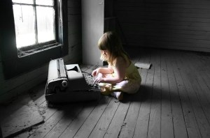 little-girl-typewriter