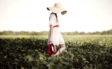 field-girl-hat-red-shoes-hd-wallpaper