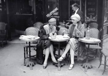 vintage-paris-ladies-coffee-shop1